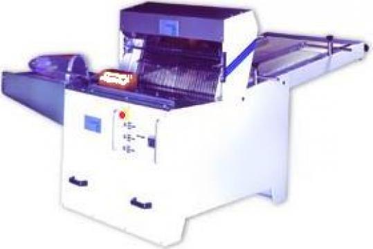 Masina de feliat paine , automata