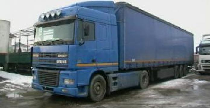Camion DAF + Semiremorca de la S.c. Tracomixt Expeditii S.r.l.