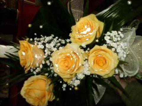 Lumanare botez si buchete nunta de la Floraria Isis