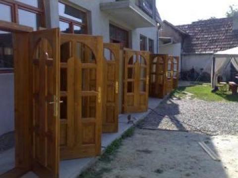 Usi, scari interioare, mobilier din lemn de la PFA Dan Cojocariu
