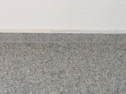 Granit, pardoseala granit