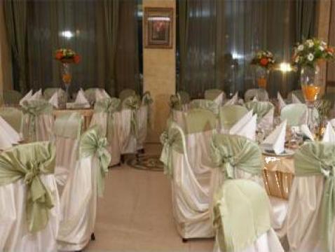 Decoratiuni sala de la Marrym