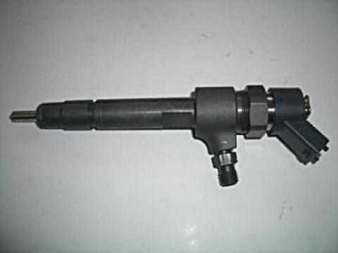 Injector Bosch 0445110141 de la 4 D Trans