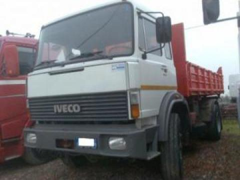 Camion basculant trilateral Iveco