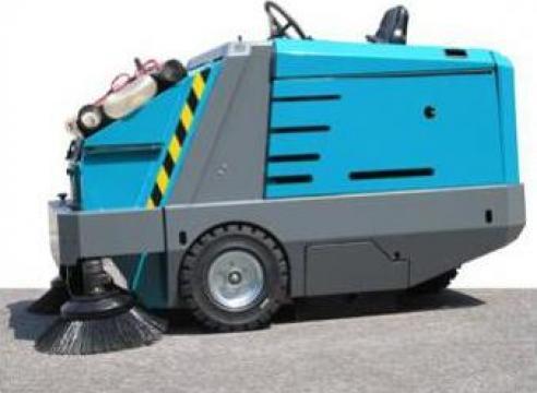 Masina aspirat si maturat Dura 170 GPL de la Tehnic Clean System