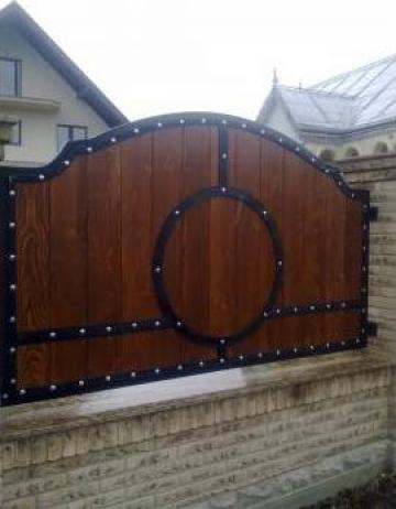 Gard lemn cu elemente fier forjat