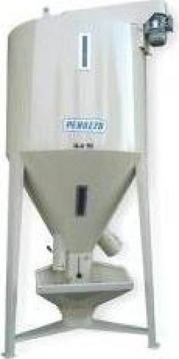 Mixer vertical fainuri - sistem de amestecare - 3500L