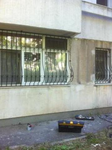Gratii ferestre din fier forjat