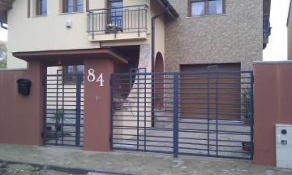 Poarta din teava rectangulara otel Contemporan de la New Metal Design SRL