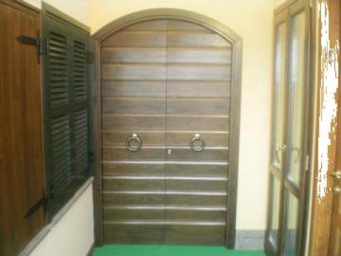 Usa exterioara lemn masiv de la Tamplarie Lemn Masiv Valcea