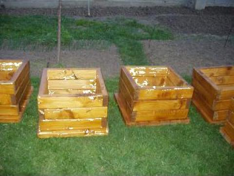Ghiveci de lemn de la PFA Georgescu Leonard
