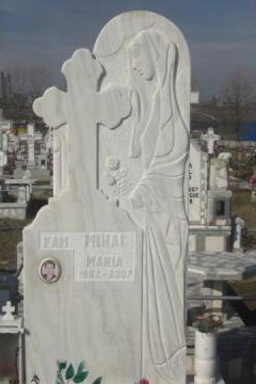 Monumente funerare marmura de la Adelamar Srl