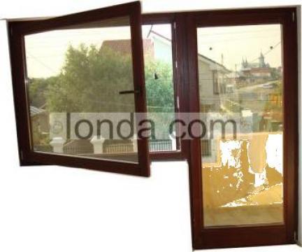 Ferestre din geam termopan din lemn triplustratificat de la Ionda Com Srl