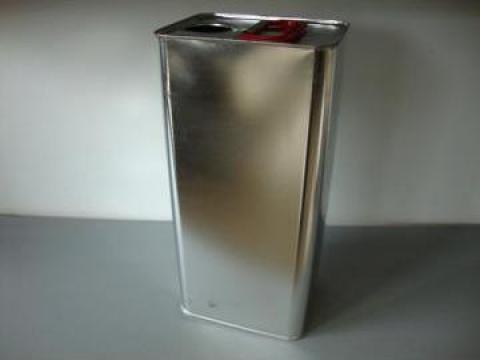 Cutie din metal cu capac de plastic5l de la Iv Trading Ltd