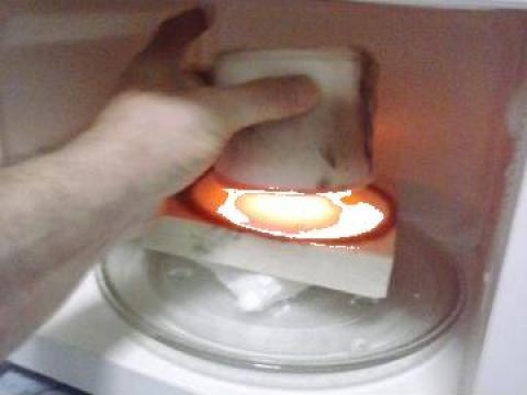 Minicuptor pentru microfuziune sticla