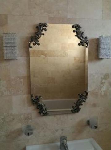 Oglinda decorativa din lemn de la