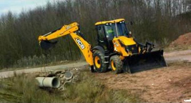 Buldoexcavator JCB 3CX, 4CX de la Nuevo Construct Srl