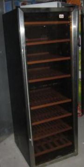 Vitrina frigorifica verticala cu o usa pentru vinuri de la Distal Mark Srl