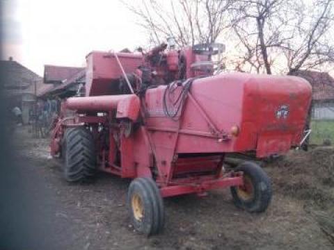 Combina agricola Massey Ferguson 87