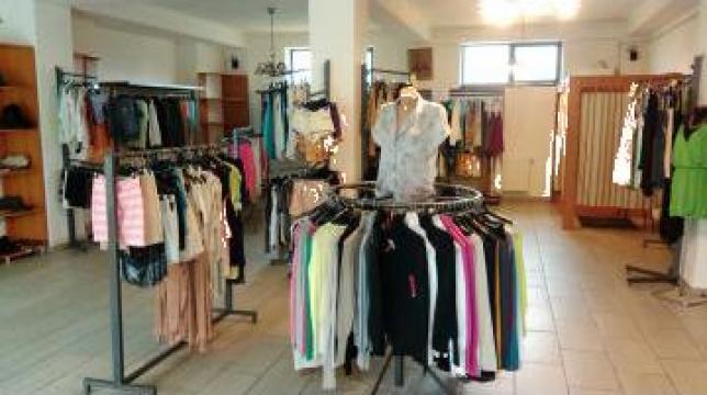 Mobilier magazin haine de la