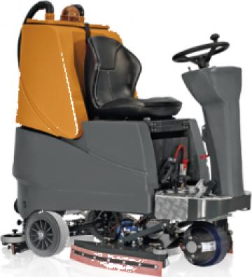 Masina spalare gresie, linoleum Grande Brio 750 de la Tehnic Clean System