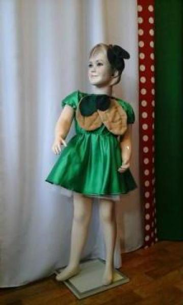 Costum de serbare nuca de la Costume De Serbare Pompilia Silaescu