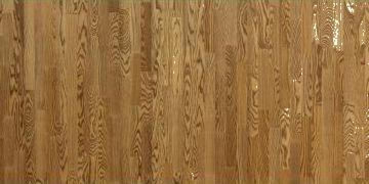 Parchet din lemn de frasin durabil