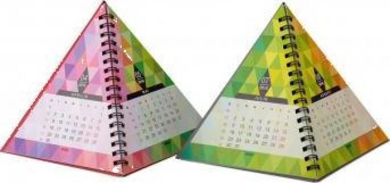 Calendar birou Piramida de la Best Media Style Srl