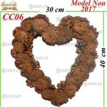 Coroane decorative din con natural inima de la Serplast Srl