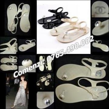Sandale romane de dama, silicon crem, bareta glezna Chanel de la Cieaura