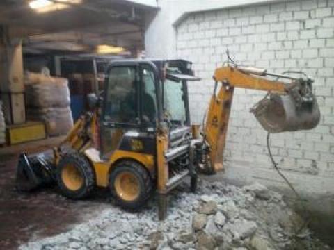 Inchiriere mini incarcator frontal cu excavator Bobcat de la Trans Udroiu Srl