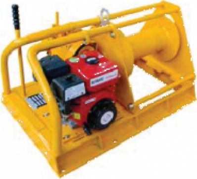 Troliu electric cu motor diesel 2500 Kg
