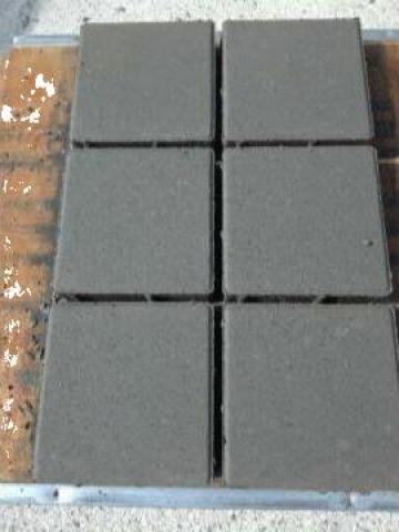 Pavaj gri patrat 200x200x60 mm de la Sc Romstor Beton Srl