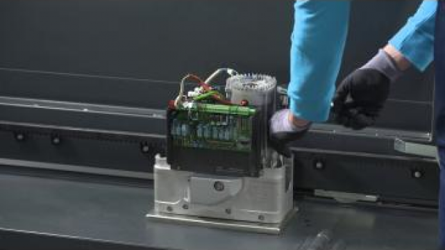 Automatizare poarta culisanta de pana la 2,5 tone - BKV de la Kadra Tech Srl