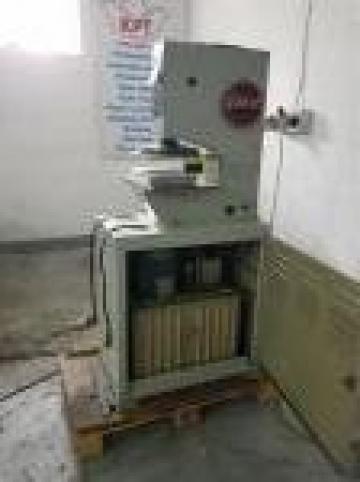 Presa hidraulica de la Kronstadt Papier Technik Sa