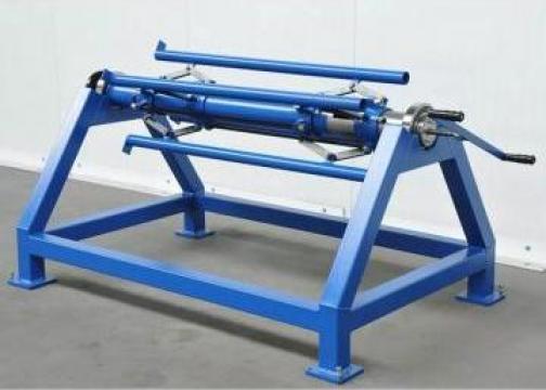 Derolator manual pentru tabla RB-1300 de la Proma Machinery Srl.