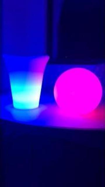 Frapiera luminoasa cu LED rgbw, 16 culori lumini de la M.f.l. Contract Services Srl