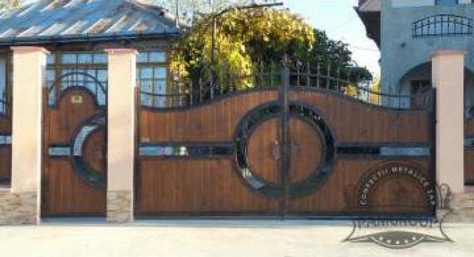 Porti din fier forjat si lemn de la Pamgroup Zap Srl