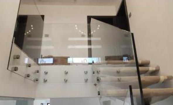 Balustrade de sticla cu prindere laterala