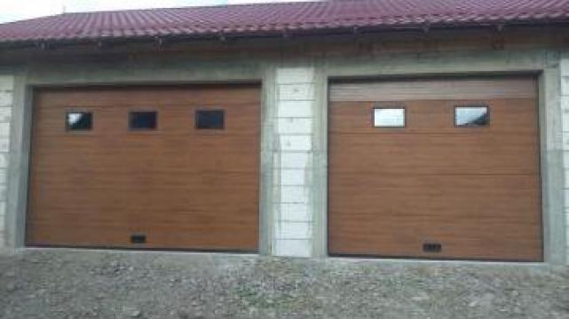 Usa de garaj sectionala