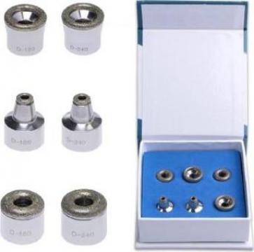 Capete microdermabraziune cu pulbere de diamant de la Bliss Cosmetics