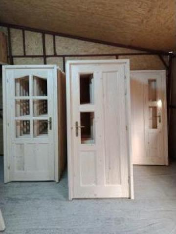 Usi interioare si exterioare din lemn de la SC Generic Prodimpex SRL