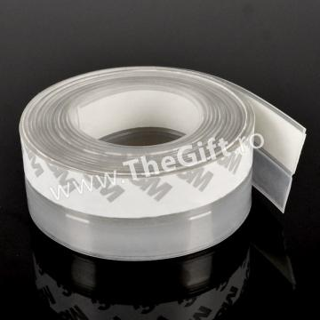 Banda adeziva din PVC, pentru izolarea usilor de la Thegift.ro - Cadouri Online