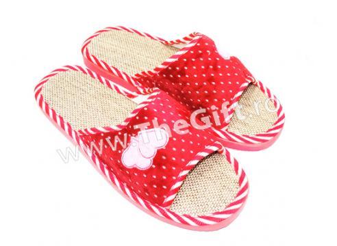 Papuci de casa decupati de la Thegift.ro - Cadouri Online