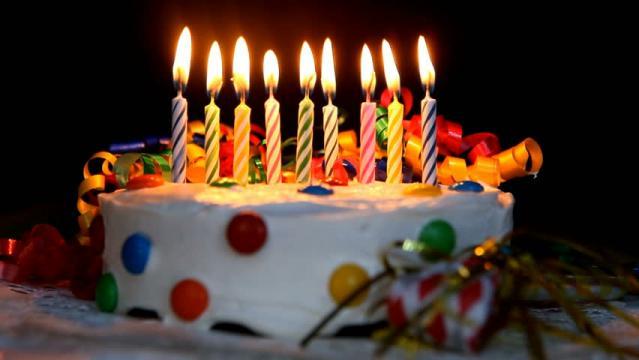 Set 10 lumanari, pentru tort de la Thegift.ro - Cadouri Online